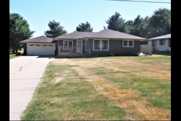 Great Ranch Close to Town!