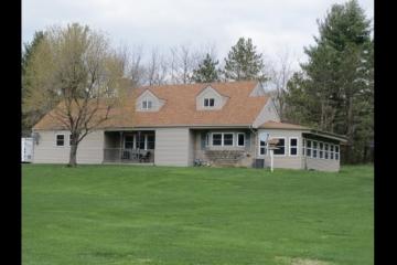 Wonderful, Spacious Rural Home!