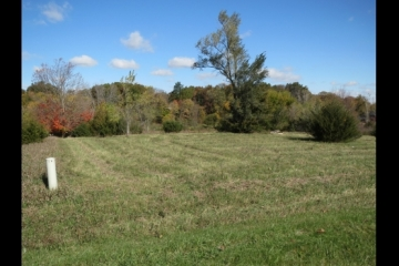 Buildable Lot in Lost Lake!